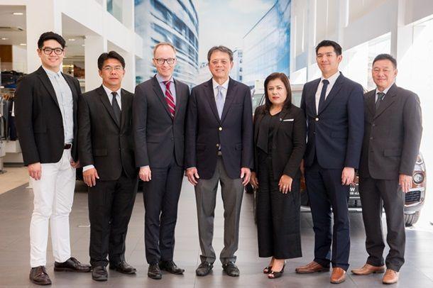 ลาร์ส นิลเซน ผอ.ฝ่ายขายและการตลาด BMW ประเทศไทย เข้าเยี่ยมชมโชว์รูมบาเซโลนา มอเตอร์