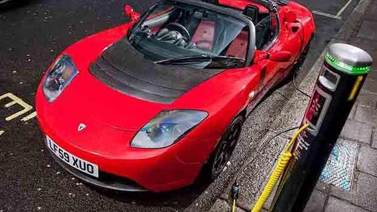 Tesla Roadster รุ่นต่อไปจะมีขนาดใหญ่ขึ้นและแรงกว่าเดิม