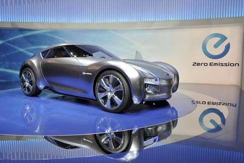 Nissan Esflow Concept สปอร์ตคูเป้ไฟฟ้าทั้งคัน ใช้ระบบขับเคลื่อนเดียวกับ LEAF