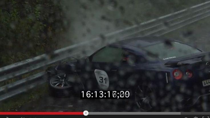 Nissan GT-R กดคันเร่งสุ่มสี่สุ่มห้า เสยท้ายรถชาวบ้านเต็มเหนี่ยว