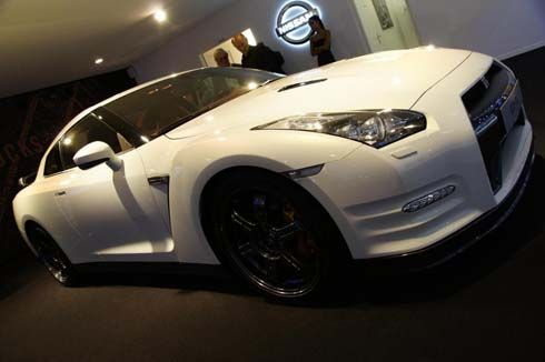 Nissan GT-R Facelift ปี 2012 แอบโผล่โชว์หล่อที่ Paris Motor Show ก่อนเปิดตัวไตรมาสนี้