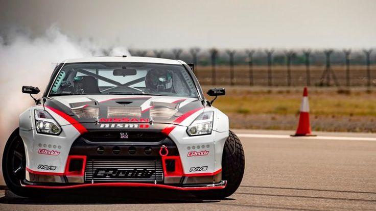 """Nissan GT-R Nismo สร้างสถิติ """"ดริฟท์"""" เร็วที่สุดในโลก (ชมคลิป)"""
