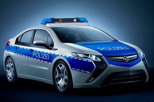 Opel Ampera เวอร์ชั่นรถตำรวจ คอมแพคท์คาร์ไฟฟ้าคู่ซี้ Chevrolet Volt จ่อไปเจนีวา