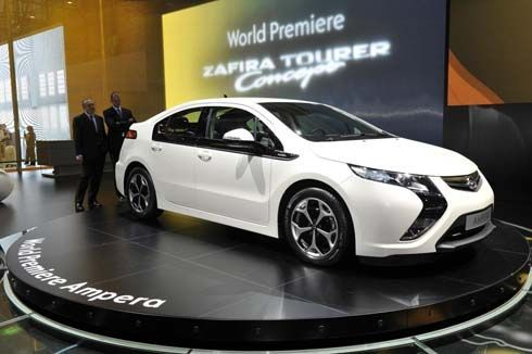 Opel Ampera Plug-In Hybrid เปิดตัวแล้วที่ Geneva Motor Show เริ่มขายกลางปีนี้