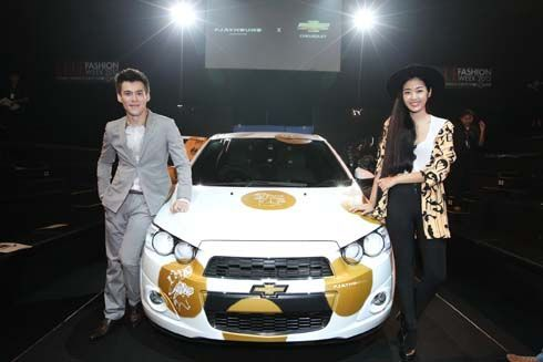 Chevrolet จับมือ Playhound โชว์พลังสร้างสรรค์ที่งาน ELLE Fashion Week 2012