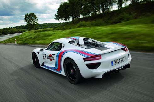 Porsche 918 Spyder หล่อกว่าเดิมด้วยชุดแต่งสไตล์เรซซิ่งของ Martini