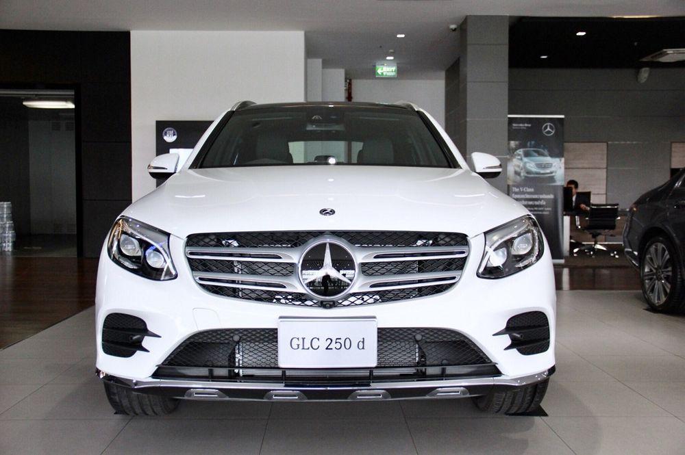 [PR News] สตาร์แฟลก จัดงาน Benz Star Flag Midnight Sale Returns เปิดโชว์รูมยันเที่ยงคืน