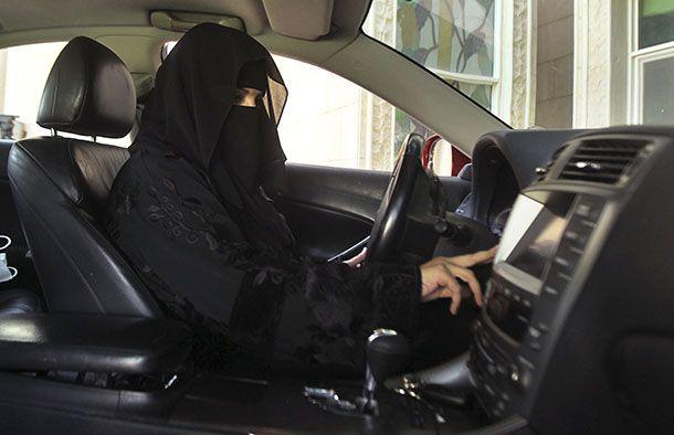 ซาอุฯ อนุญาตให้สตรีขับรถยนต์ได้เป็นครั้งแรก