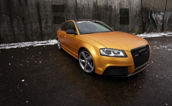 Audi RS3 Sportback หุ้มตัวถังสีส้ม-ทอง หัวใจ 425 แรงม้าโดยฝีมือ SchwabenFolia