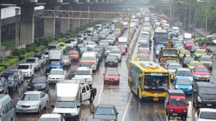 ยังไม่จบ สนข .ชงแผนแก้รถติดทั้ง ห้ามเลี้ยวซ้าย คุมรถส่วนตัวใช้ได้เดือนละ 15 วัน สลับทะเบียนคู่-คี่