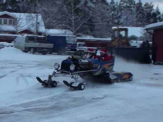 ไม่ใช้หรอกกวาง Reindeer ซานต้า ขาซิ่งต้องคันนี้  Snowmaster เครื่อง V8  600 ม้า
