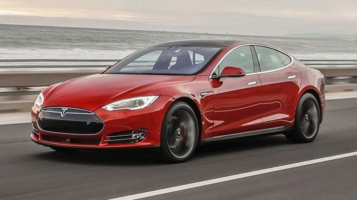 """เผยผู้เสียชีวิตขณะใช้โหมดขับขี่กึ่งอัตโนมัติในรถ Tesla อาจกำลัง """"ดูหนัง"""" ขณะเกิดอุบัติเหตุ"""