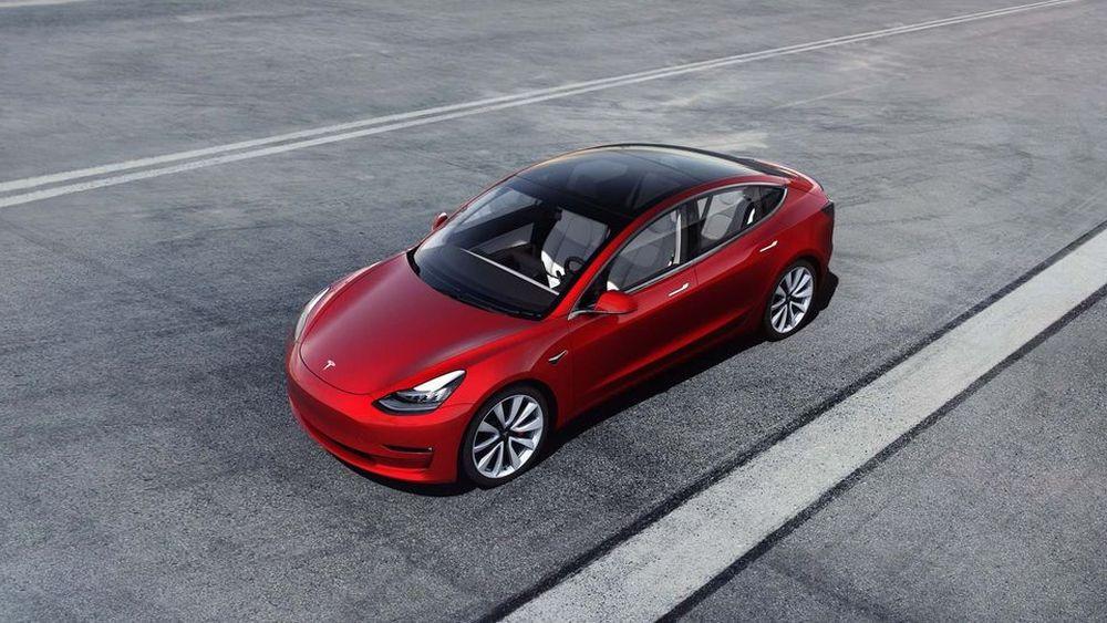 ดราม่าก่อนผลิต Tesla ปลดคนงาน 3,000 คนลดต้นทุนให้ Model 3 มีราคาราว 1.1 ล้านบาท