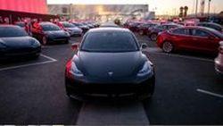 มิถุนายนนี้ เราอาจได้เห็น Tesla Model 3 พลังมอเตอร์คู่