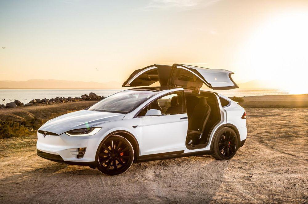 """เผยเจ้าของ Tesla รักรถและแบรนด์มากจนสามารถ """"ให้อภัย"""" ปัญหาด้านคุณภาพ"""