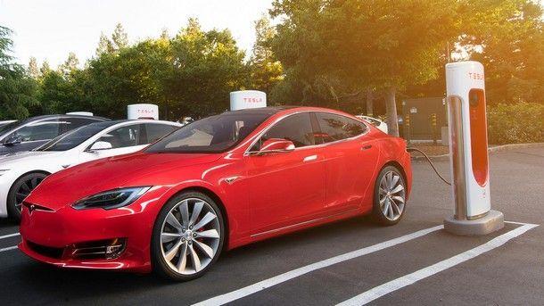 Tesla เรียกเก็บค่าบริการ Supercharger ครั้งแรก พร้อมเตรียมยกระดับคุณภาพสถานีชาร์จไฟฟ้า