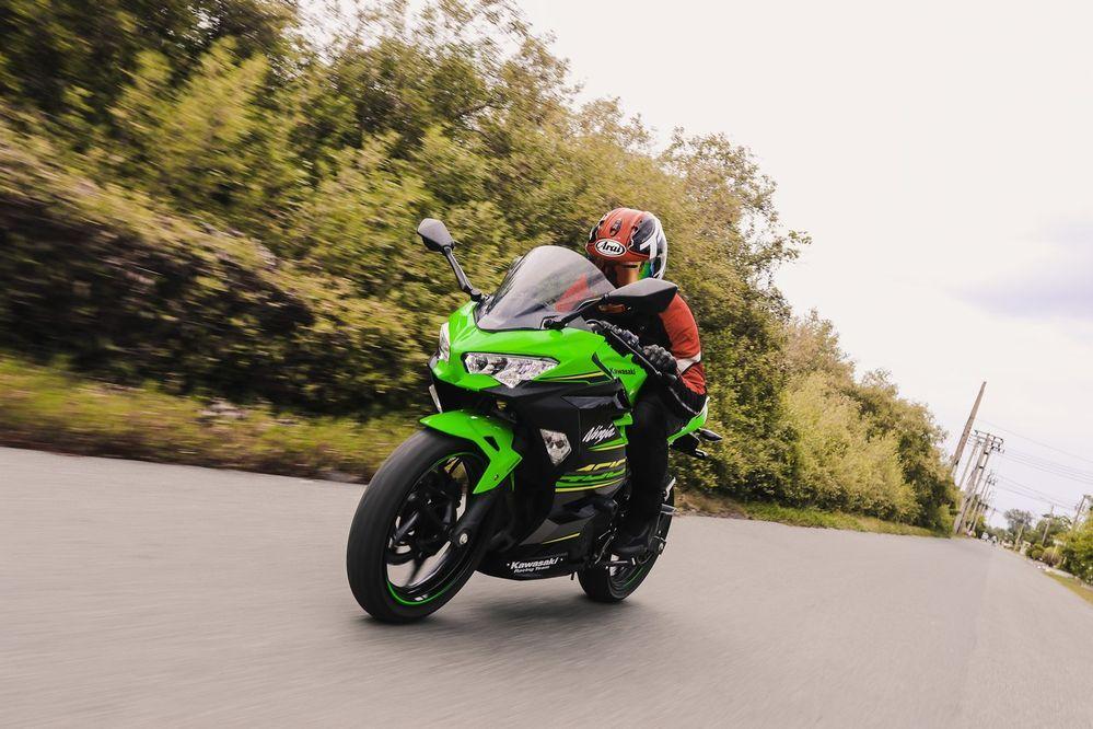 [Test Ride] รีวิว Kawasaki Ninja 400 ยักษ์เขียวไซส์ใหม่ โฉบเฉี่ยวอย่างมีระดับสไตล์สปอร์ต
