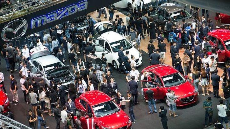 ยอดขายรถยนต์ในประเทศ 11 เดือนลดเหลือ 6.8 แสนคัน แต่คาดยอดผลิตรวมทั้งปีโตถึง 1.95 ล้านคัน