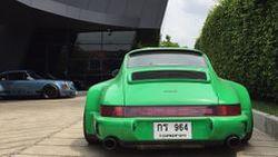 """เซ็นทรัล เอ็มบาสซี เนรมิตลานกิจกรรมรวมที่สุดยนตรกรรมหรู ภายใต้ชื่องาน """"RWB Luxuriously Wide"""" - Thailand's First ever Gathering of the RWB Porsche"""