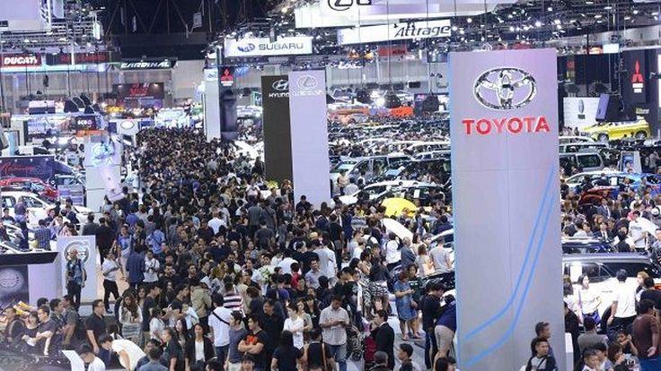 ส.อ.ท.เผยยอดผลิตและยอดขายรถยนต์เดือนม.ค.60 เพิ่มขึ้น สวนทางยอดส่งออกมีตัวเลขต่ำสุดรอบ 19 เดือน ผลส่งออกกระบะลดเกือบทุกตลาด