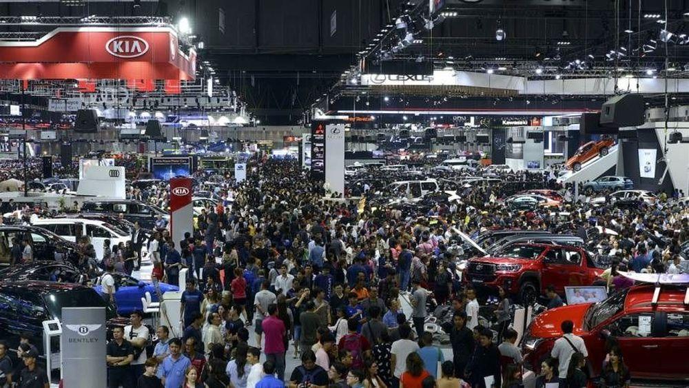 ส.อ.ท.เผยยอดขายรถยนต์ 2 เดือนแรกโต 12.9% สวนทางมอเตอร์ไซด์ที่ลดลง 2.1%