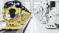 หัวขโมยเข้าไปกวาดเครื่องยนต์มูลค่า 4 ล้านเหรียญจากโรงงานจากัวร์ แลนด์โรเวอร์
