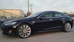 เจ้าของ Tesla นิรนาม โชว์ผลงาน D.I.Y ฝาครอบล้อ ช่วยให้รถวิ่งได้ไกลกว่าปรกติ ราว 30 กิโลเมตร