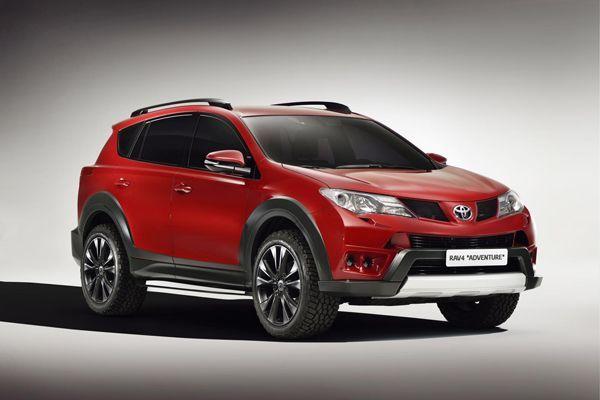 Toyota โชว์ Auris Touring Sports เคียงข้างกับ RAV4 เวอร์ชั่น Premium และ Adventure