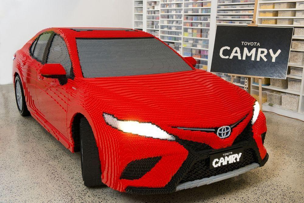 งานละเอียดกับ Toyota Camry ขนาดเท่าคันจริงจาก Lego กว่า 500,000 ตัว