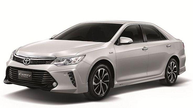 Toyota เปิดตัว Camry รุ่นปรับโฉมใหม่ เพิ่มอ็อปชั่นความสะดวก ลดราคารุ่นไฮบริด