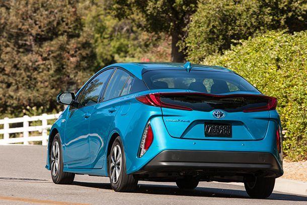 Toyota ชี้ดีเซลไฮบริดไม่คุ้มค่า ส่วนรถพลังงานไฟฟ้ายังต้องพัฒนาอีกเยอะ