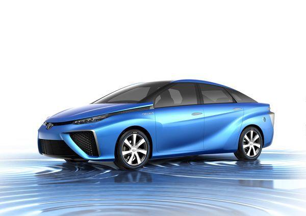 เผยโฉม Toyota FCV รถไฮโดรเจนฟิวเซลรุ่นต้นแบบ ขับขี่ได้ไกล 500 กม.