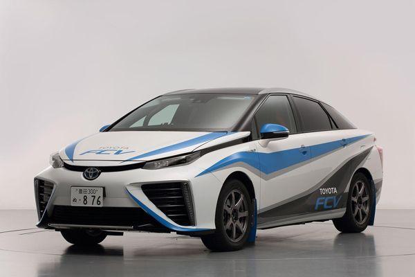 Toyota FCV ลุยงานแรลลี่แดนปลาดิบ เสริมภาพลักษณ์ความสปอร์ต