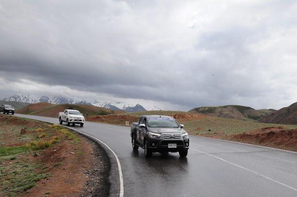 [Toyota Hilux Revo Caravan Stage 2] บททดสอบที่ 3 : ภูเขาน้ำแข็งแห่งคีร์กีซสถาน และความทรหดของผู้ร่วมทริปก่อนสเตจ 3