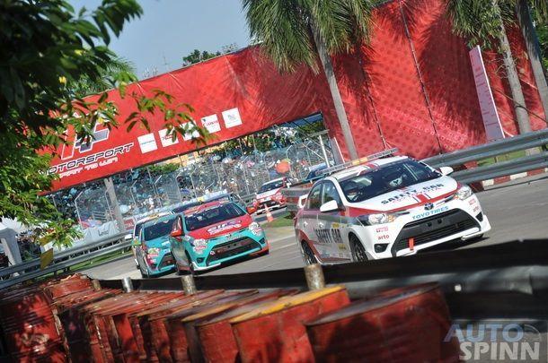 """""""Toyota Motorsport 2013"""" สนามที่ 4    บี้กันสุดมันส์ 26 คันใน สนามราชมังคลากีฬาสถาน"""