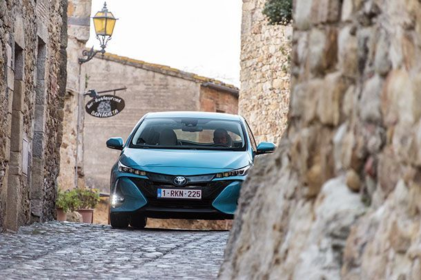 มาทีหลังเสียงดังกว่า? Toyota จะเปิดตัวรถพลังไฟฟ้าในปี 2022 พร้อมสุดยอดแบตเตอรี่