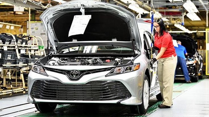 """""""ทรัมป์"""" ชี้บริษัทรถยนต์ญี่ปุ่นควรผลิตรถยนต์ในอเมริกา"""