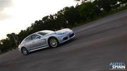 """[VDO] รีวิว Porsche Panamera S E-Hybrid """"ไม่ใช่แค่หรู แต่มันวิ่งได้ถึง 135 กม./ชม.ด้วยไฟฟ้าเพียวๆ"""""""