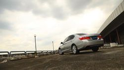 "[VDO] ขับทดสอบ All New Honda Accord 2.0EL/Navi : ""หล่อหรู..ออฟชั่นเกือบครบ"""