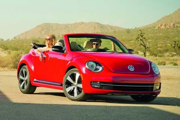 2015 Volkswagen Beetle อัพเกรดเครื่องยนต์และเทคโนโลยี