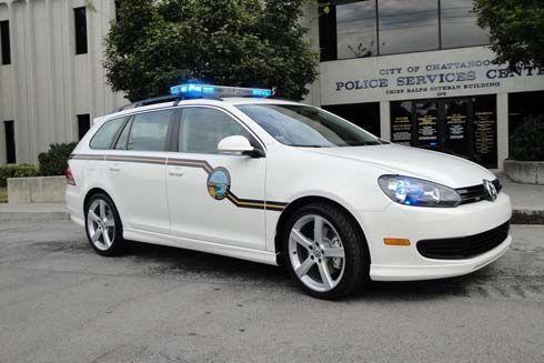 Volkswagen Jetta SportWagen จำแลงแปลงร่างเป็นรถตำรวจ สานสัมพันธ์ชุมชนที่ตั้งโรงงาน