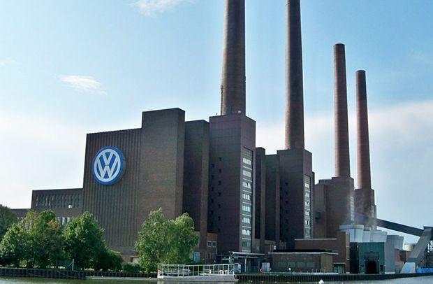 แตกตื่นทั้งโรงงาน! Volkswagen พบระเบิดสมัยสงครามโลกครั้งที่ 2