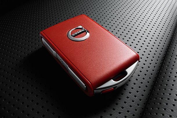 """ปลอดภัยไว้ก่อน! Volvo เปิดตัว """"กุญแจสีแดง"""" จำกัดคุณสมบัติตัวรถ"""
