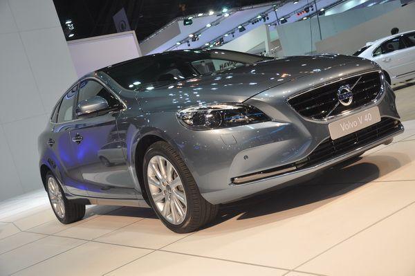 Volvo V40 ใหม่เปิดจองราคาโดนใจ เริ่มต้น 1.68 ล้านบาท ขึ้นแท่นเจ้าตลาดแฮทช์แบค 5 ประตูระดับพรีเมี่ยม