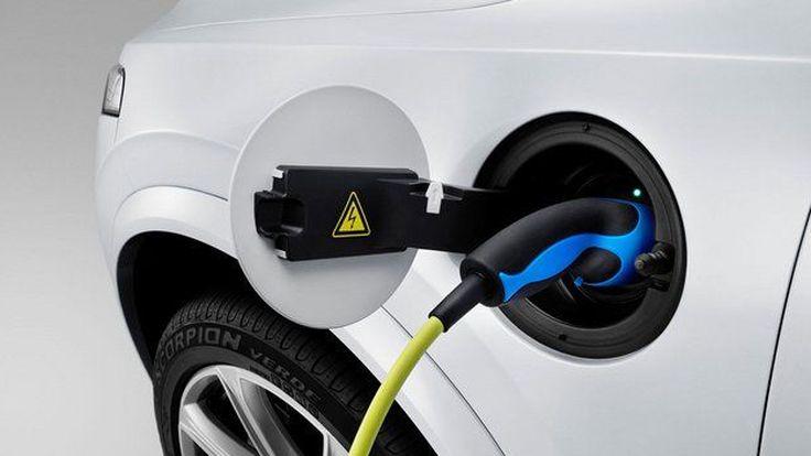 Volvo เรียกร้องมาตรฐานการชาร์จไฟแบบเดียวกันทั่วโลก หลังรถปลั๊กอินไฮบริดขายดี