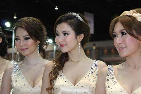 ซี้ด! พริตตี้มอเตอร์โชว์ที่ Bangkok Motor Show 2011 เซ็กซี่แบบนี้ก็มีให้ดูที่งาน