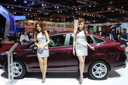 ภาพพริตตี้มอเตอร์โชว์ ชุด 11 โบกมือลางาน Bangkok Motor Show 2011