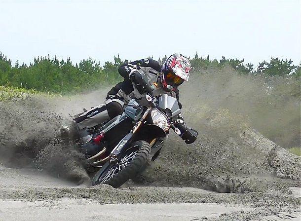 บ้าพันธุ์แท้ Yamaha FZ-09 Off Road ระห่ำได้ทั้งราบเรียบและทางฝุ่น