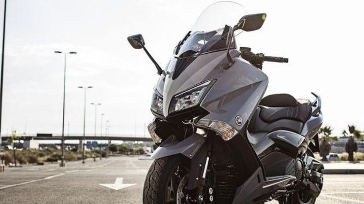 Yamaha TMAX อาจงอกรุ่นย่อย SX และ DX ในสไตล์สปอร์ตและทัวริ่ง
