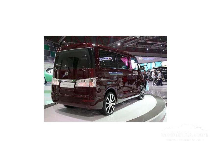 2016 Daihatsu Luxio X MPV